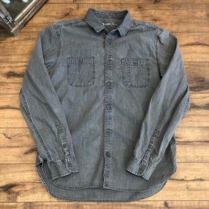 Gap shirt size large (371)